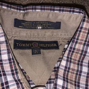 Tommy Hilfiger Shirts - VINTAGE TOMMY HILFIGER BUTTON UP